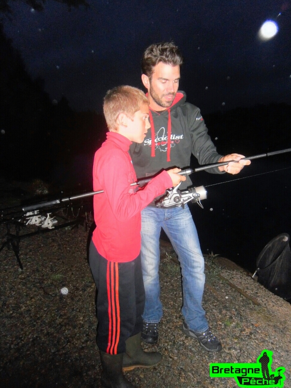 Arthur pêche de nuit carpe