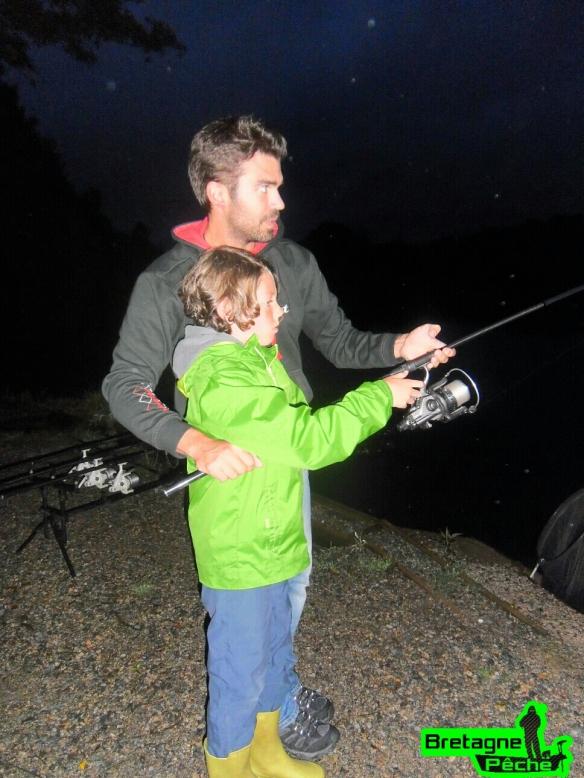 Youn pêche de nuit carpe