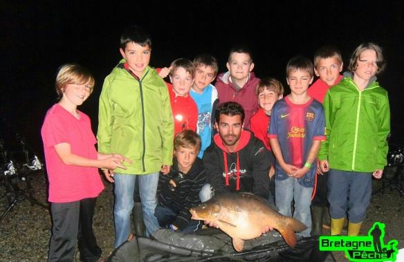 Titouan, Mathilinic, Mathias, Eloan, Johann, Tom, Robain, Yaël Arhtur et Youn pêche de nuit carpe